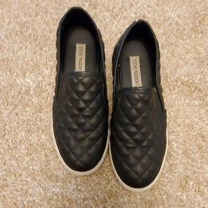Steve Madden Black Quilted leather slip on shoes